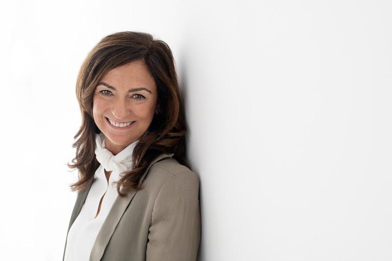headshot of life and business coach Jasmine Bilali