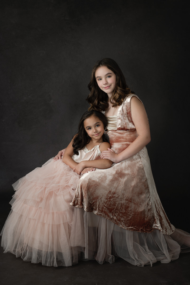 portrait of two sisters-8500793